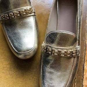NWT Tory Burch SZ 11 Gemini Link gold loafers.